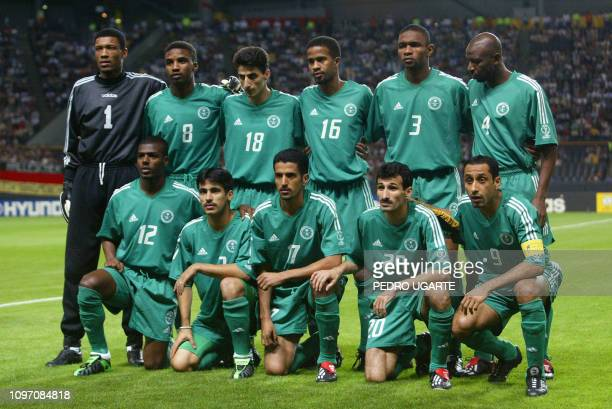 The Saudi team poses before the start of match 4 group E of the 2002 FIFA World Cup Korea Japan opposing Germany and Saudi Arabia in Sapporo Japan 01...