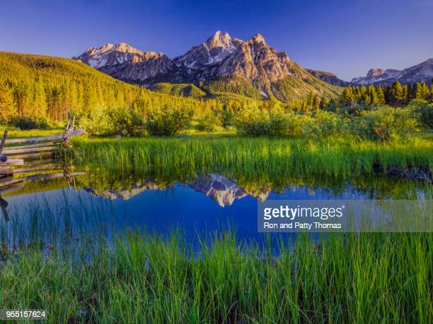 the sawtooth mountain range, stanley idaho - idaho stock pictures, royalty-free photos & images