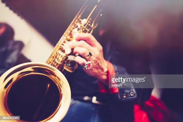 der saxophonist - jazz stock-fotos und bilder