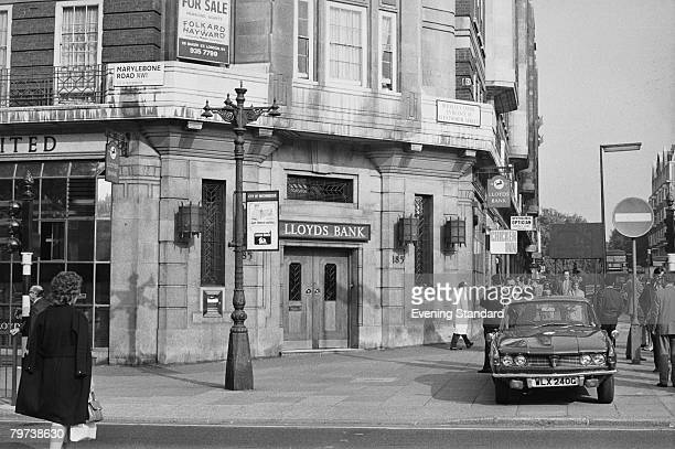 The scene of a robbery at the Baker Street branch of Lloyds Bank, on the corner with Marylebone Road, 13th September 1971. Thieves broke into the...