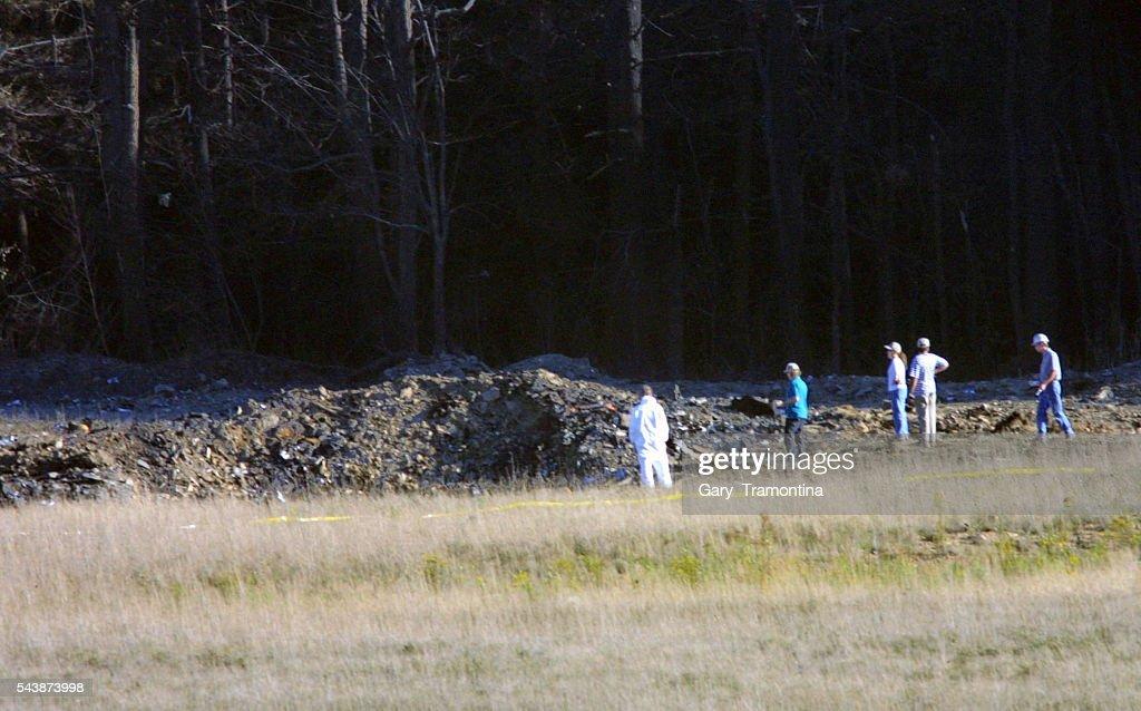 SCENE OF CRASH : BOEING 757 UNITED AIRLINES : News Photo
