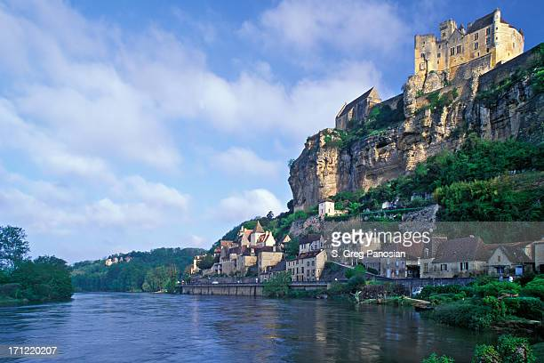 the scenic view of beynac-et-cazenac during the day - aquitaine stock photos and pictures