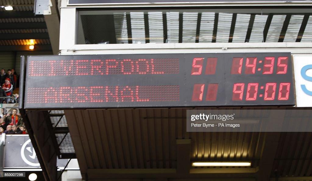 Soccer - Barclays Premier League - Liverpool v Arsenal - Anfield : News Photo