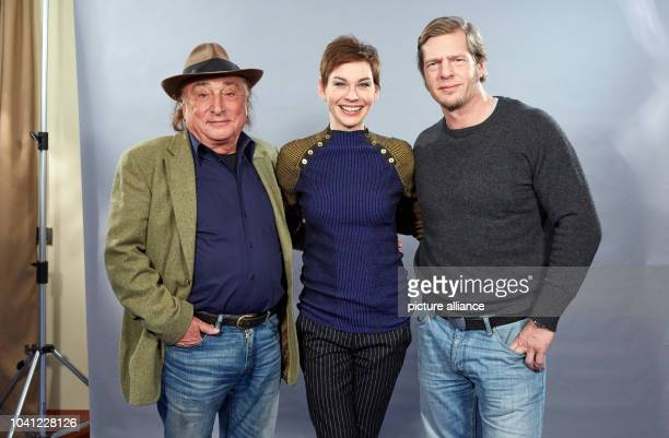 The screenwriter Peter Zingler and actors Christiane Paul and Henning Baum pose at a photo shoot for the ARD film 'Die Himmelsleiter - Sehnsucht nach...