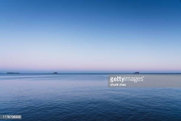 the sea at nightfall - o anoitecer - fotografias e filmes do acervo