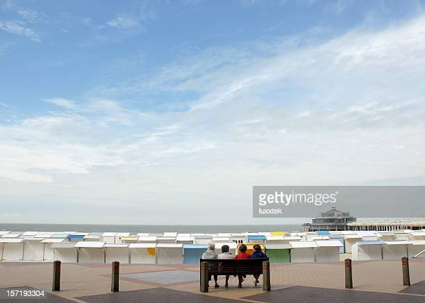 Meer-Strand-Hütten und pier