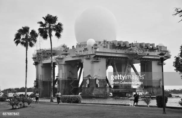 The Seabased Xband Radar departs Pearl Harbor 2013 Image courtesy Daniel Barker/US Navy