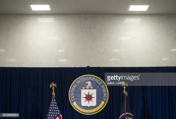 The seal of the Central Intelligence Agency is seen at CIA Headquarters in Langley Virginia April 13 2016 / AFP PHOTO / SAUL LOEB