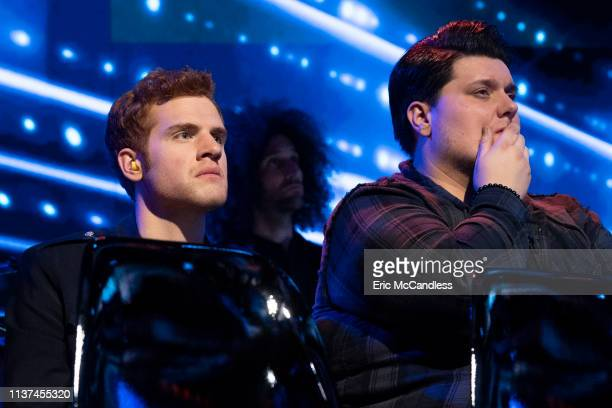 IDOL 213 The search for America's next superstar continues as American Idol's highly anticipated live shows begin in the heart of Los Angeles In this...