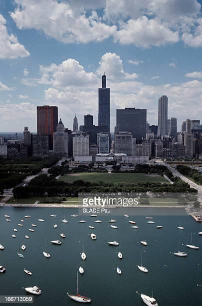 The Sears Tower In Chicago Aux EtatsUnis à Chicago en août 1973 la Tour Sears ou Sears Tower alias Willis Tower un gratte ciel en construction au...