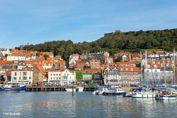 the seaside town of scarborough, north yorkshire, england - scarborough uk stock pictures, royalty-free photos & images