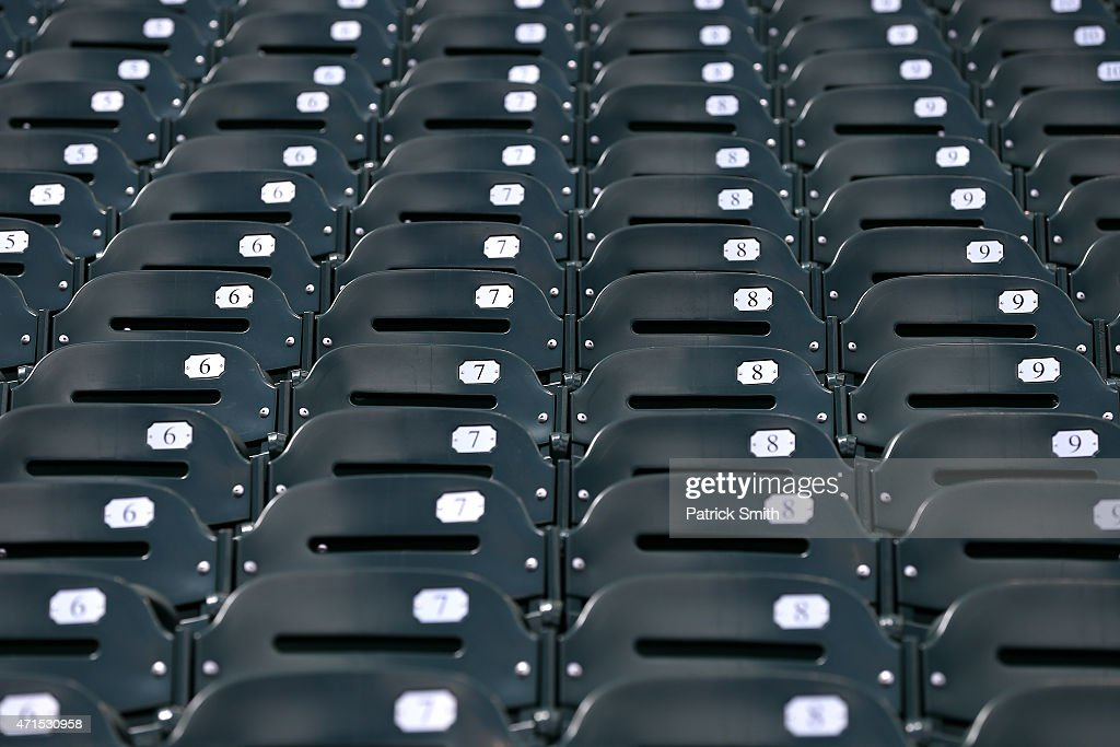 Baltimore Unrest Forces Orioles Play White Sox In An Empty Camden Yards : Nachrichtenfoto