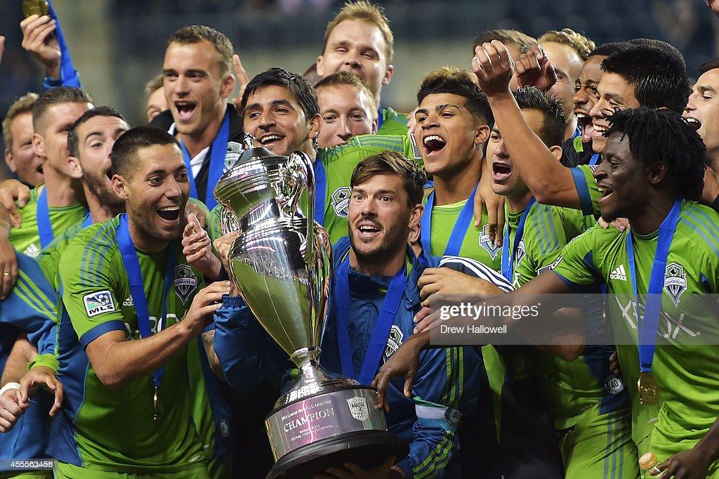 2014 U.S. Open Cup - Final : News Photo