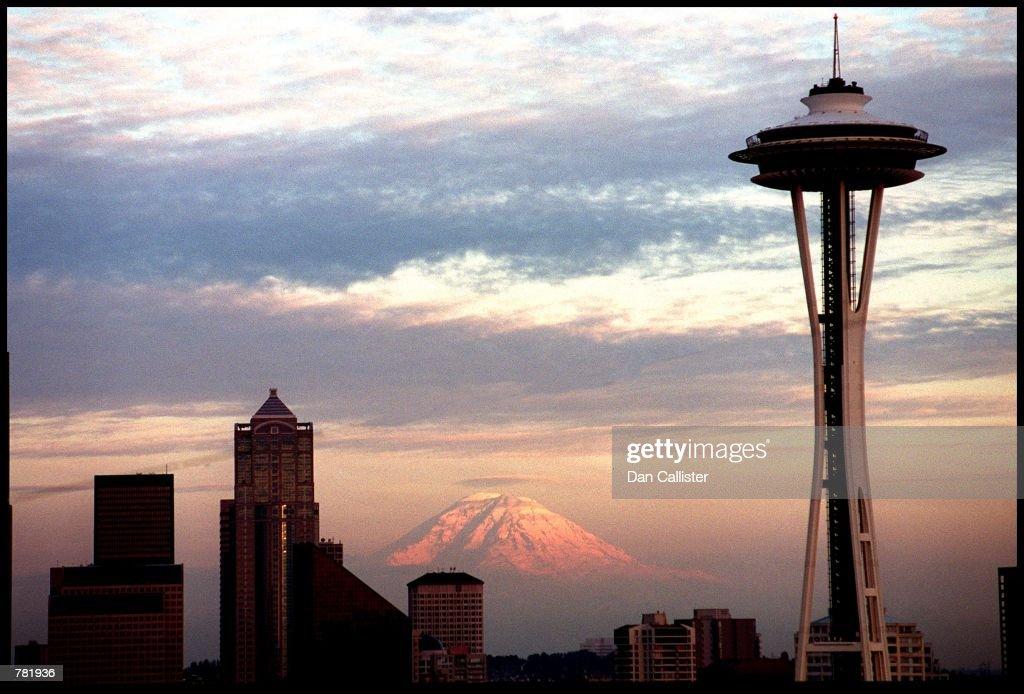 SEATTLE SKYLINE : News Photo