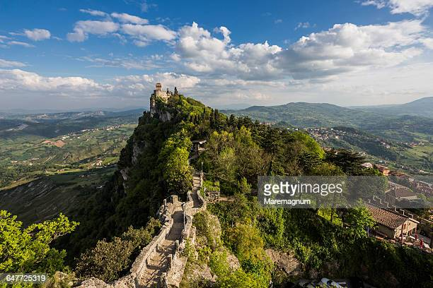 the second torre (tower) called cesta or fratta - republic of san marino stock pictures, royalty-free photos & images