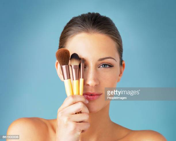 the secret to a flawless makeup routine - make up stock pictures, royalty-free photos & images