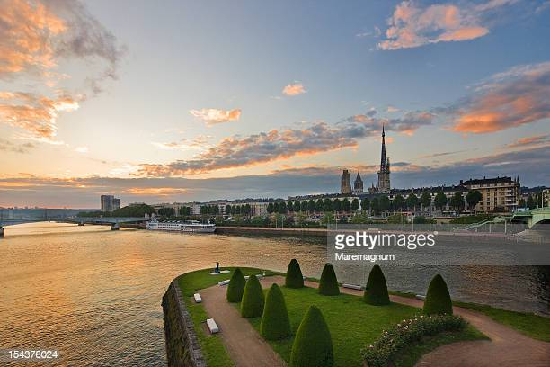the seine river and the town from corneille bridge - rouen stock pictures, royalty-free photos & images