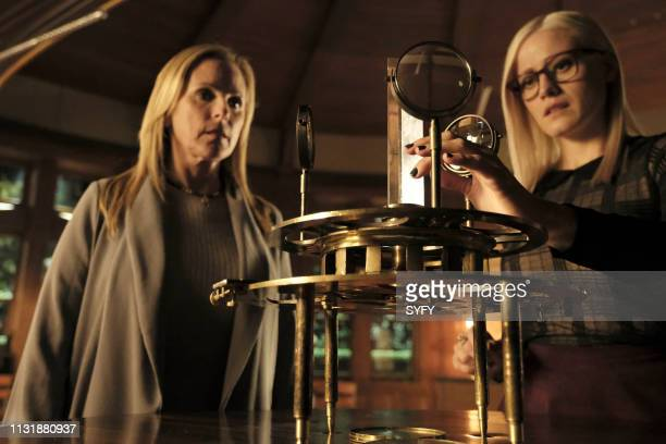 THE MAGICIANS The Serpent Episode 409 Pictured Marlee Matlin as Harriet Olivia Taylor Dudley as Alice