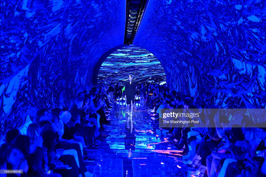The set for the Balenciaga Spring/Summer 2019 collection was a tunnel-like surround of LED screens that enveloped the audience and runway. : News Photo