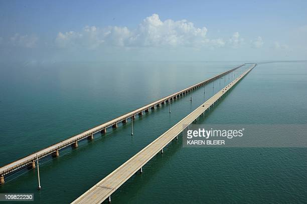 The Seven Mile Bridge looking north towards Marathon, Florida February 22, 2011. The Seven Mile Bridge connects Knight's Key in the Middle Keys to...