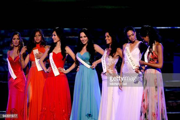 The seven Miss World 2009 finalists Miss Colombia Daniela Lalinda Miss Panama Nadege Herrera Vaques Miss Canada Yanbing Ma Miss Mexico Perla Beltran...