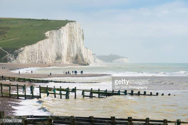 the seven sisters cliffs, east sussex, uk - tim grist stock pictures, royalty-free photos & images
