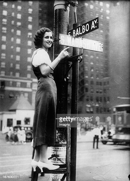 The Seventh Street in Chicago changed to Balbo Avenue named to Italo Balbo fascist air force minister Photograph About 1935 In Chicago wurde die...
