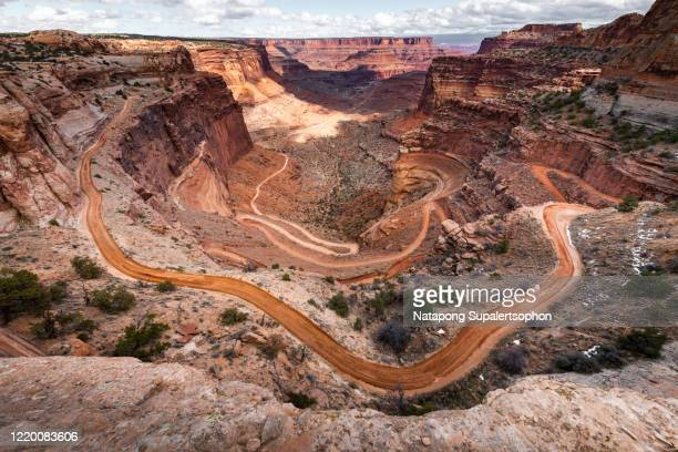 the shafer trail viewpoint in canyonlands national park - 南西 ストックフォトと画像