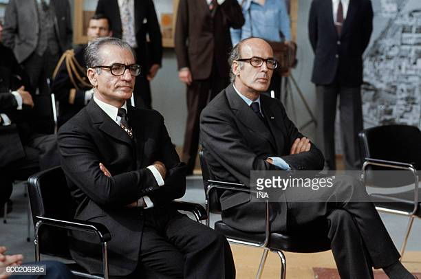 The shah of Iran and Valéry Giscard d'Estaing during a conference to the nuclear power plant of Saclay