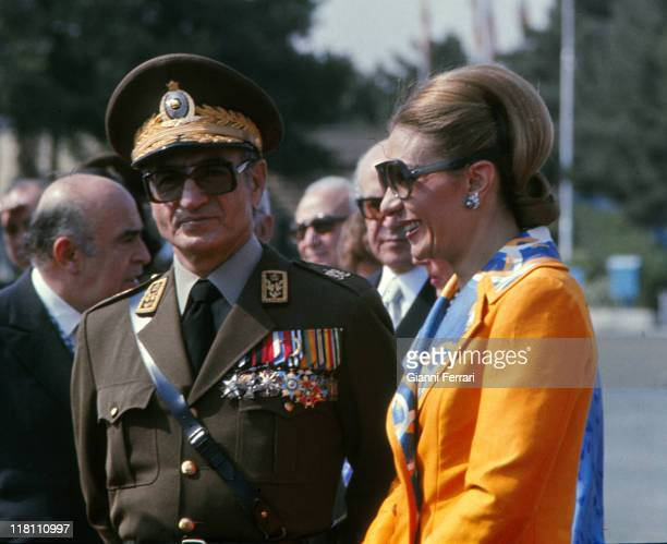 The Shah of Iran Mohammad Reza Pahlavi and his wife Farah Diba at the airport waiting for the arrival of the Spanish Kings Juan Carlos and Sofia in...