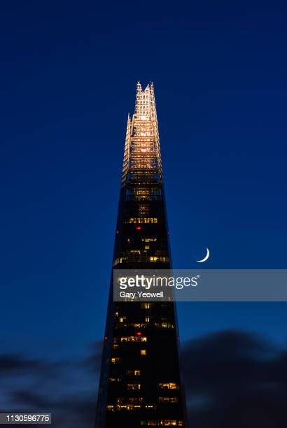 the shard and moon in london - night stock pictures, royalty-free photos & images