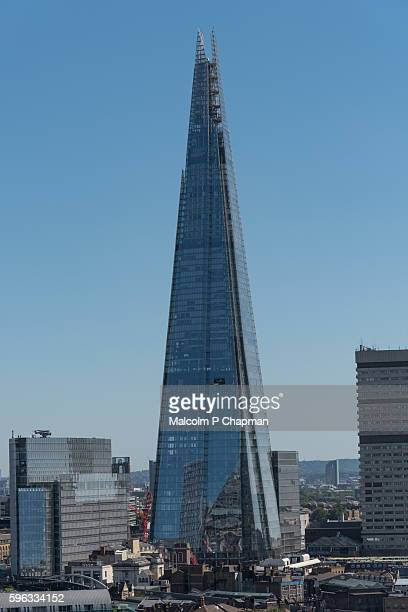 the shard, london, uk -  view from tate modern switch house public gallery - pyramid shapes around the house stock pictures, royalty-free photos & images