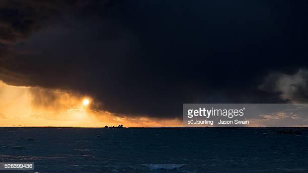 the shipping forecast - s0ulsurfing stock pictures, royalty-free photos & images