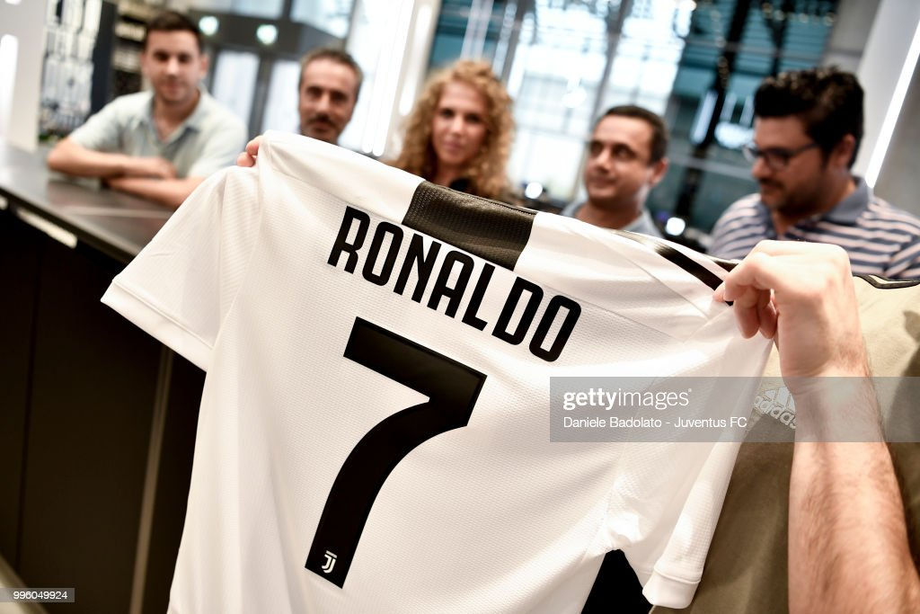 timeless design 2367d fa990 The shirt of Juventus new signing Cristiano Ronaldo is on ...