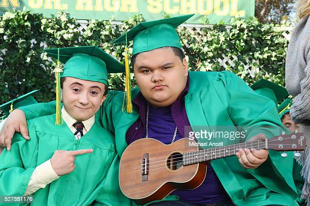 THE MIDDLE The Show Must Go On After almost forgetting that Brick's middle school graduation is only days away Frankie goes on a mission to right a...