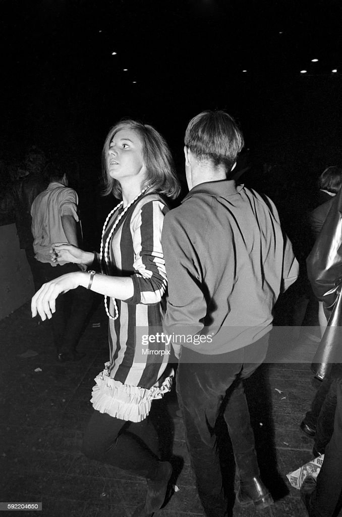 On 20 November 1964 The Glad Rag Ball, organised by London University took place at the Empire Pool, Wembley, London. : News Photo
