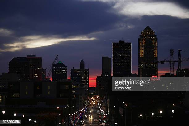 The silhouette of the downtown Des Moines skyline is seen as the sun sets in Des Moines Iowa US on Friday Jan 29 2016 As the first in the nation Iowa...