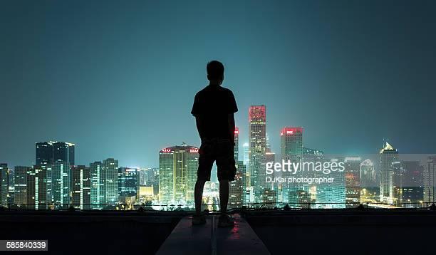the silhouette portrait - dach stock-fotos und bilder