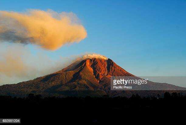 The Sinabung volcano stretched after the earthquake that shook the region Deli Serdang with the power of 5 one the Richter scale. Six weeks ago there...