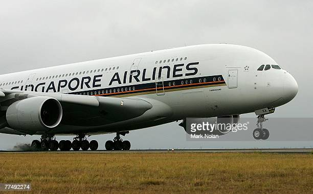 The Singapore Airlines A380 Airbus inaugural passenger flight from Singapore arrives at Sydney's Kingsford Smith airport on October 25 2007 in Sydney...