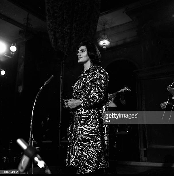 The singer Amalia Rodrigues during the gala given for Charles Trenet's anniversary