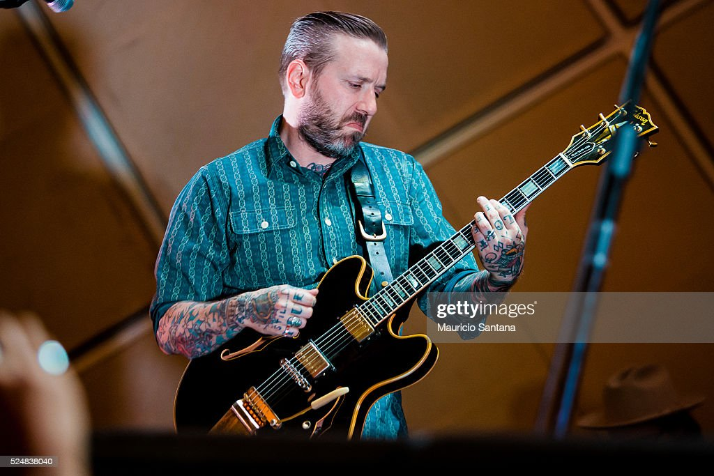 the singer dallas green member of the band city and colour performs news photo getty images. Black Bedroom Furniture Sets. Home Design Ideas