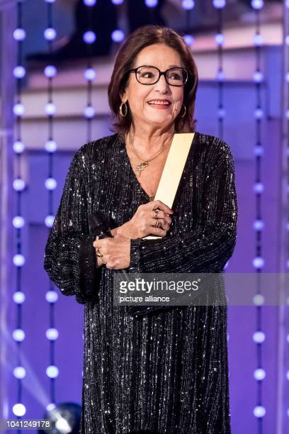 The singer Nana Mouskouri during the TV Show Hit Champions Great party of the best at the Velodrom in Berlin Germany 7 January 2017 Photo Andreas...