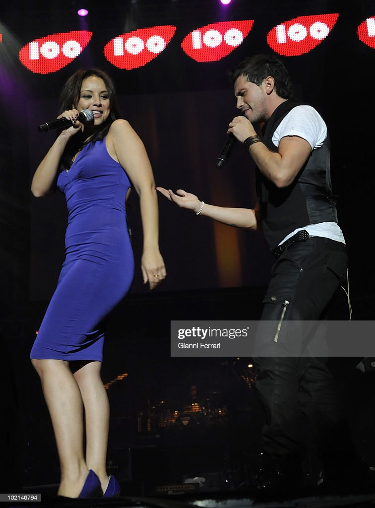 The singers Chenoa and David de Maria during theconcert in benefit of the victims of the earthquake of Haiti, organized by the radio station 100, 24th April 2010, Palace of Sports, Madrid, Spain.