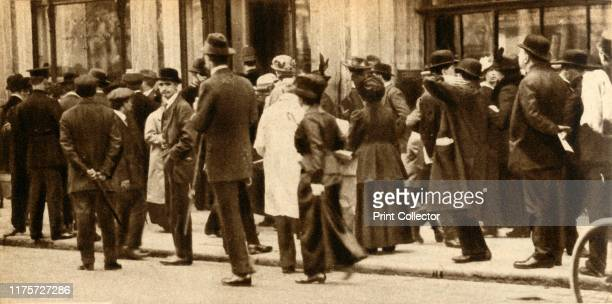The sinking of the 'Lusitania' May 1915 Scene 'outside the Cunard offices in London which were besieged by friends and relatives of those known to be...