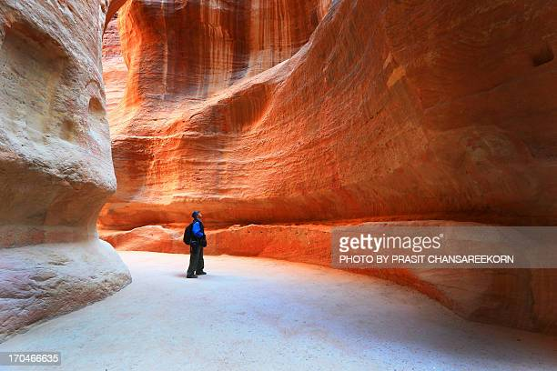 the siq, petra - jordan middle east stock pictures, royalty-free photos & images