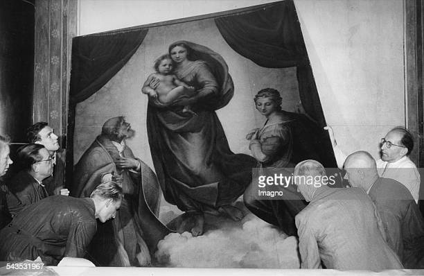 The Sistine Madonna by Raffael was restituted by the Soviet Union to GDR and is re-mounted in the Old Masters Gallery. Dresden. GDR. 20th October...