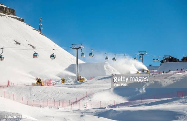 the ski slopes at passo groste, madonna di campiglio ski resort, italian alps, italy - マドンナディカンピリオ ストックフォトと画像