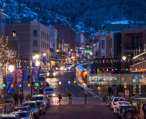 the ski town - ユタ州 パークシティ ストックフォトと画像