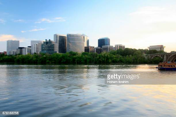 the skyline of rosslyn in arlington county and the potomac river before sunset, virginia, usa - arlington virginia stock pictures, royalty-free photos & images
